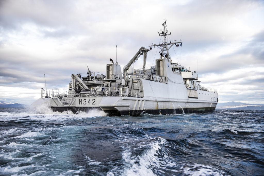 KNM MåløyMCMV (Mine countermeasure vessel)