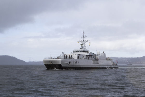 Mine Countermeasure vessel KNM Rauma seiling near Bergen for RNoN 200 anniversary.